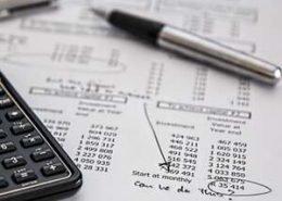 Ausschnitt einer Gewinn- und Verlustrechnung (GuV).